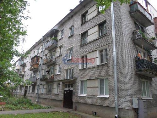 2-комнатная квартира (43м2) на продажу по адресу Павловск г., Гуммолосаровская ул., 25— фото 1 из 7