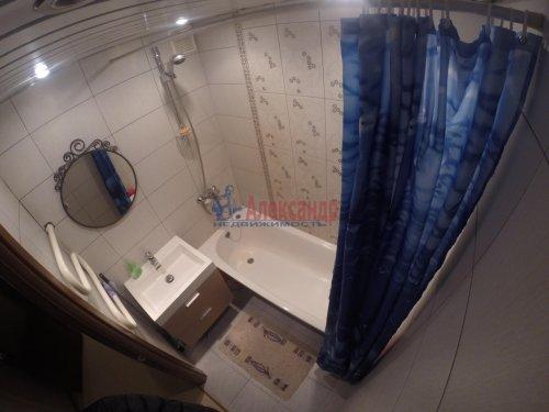 2-комнатная квартира (69м2) на продажу по адресу Шушары пос., Пушкинская ул., 48— фото 12 из 16
