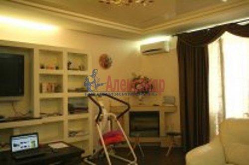 2-комнатная квартира (76м2) на продажу по адресу Береговая ул., 24— фото 7 из 9