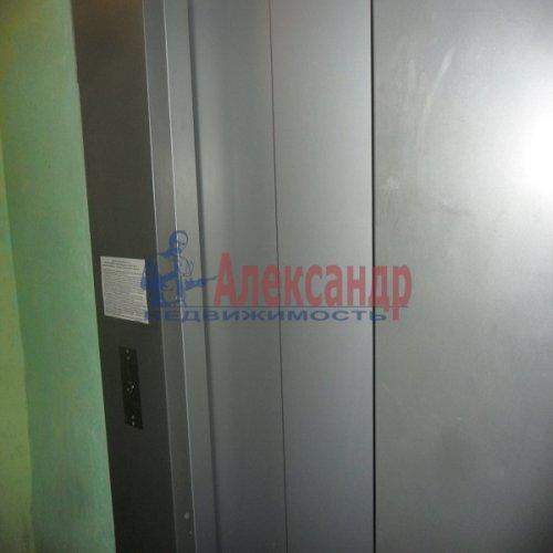 2-комнатная квартира (49м2) на продажу по адресу Апрельская ул., 5— фото 12 из 17
