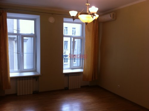3-комнатная квартира (84м2) на продажу по адресу Чкаловский пр., 58— фото 2 из 13