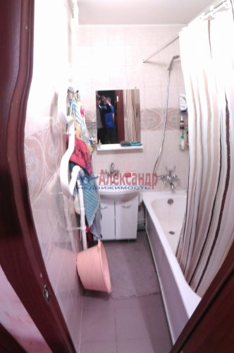2-комнатная квартира (50м2) на продажу по адресу Мурино пос., Оборонная ул., 2— фото 8 из 15