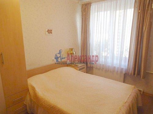 4-комнатная квартира (64м2) на продажу по адресу Славы пр., 12— фото 5 из 13