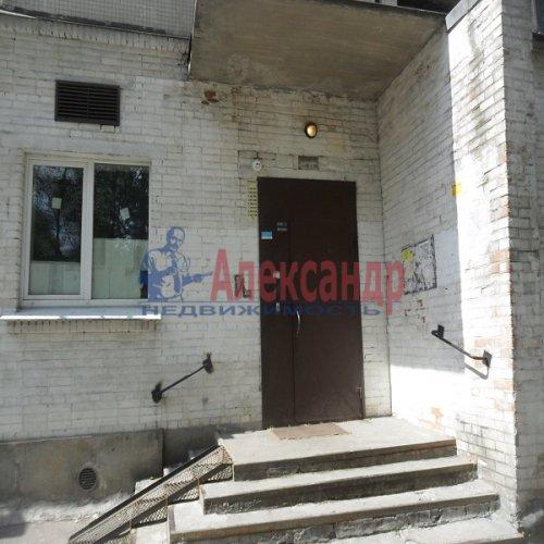 2-комнатная квартира (49м2) на продажу по адресу Апрельская ул., 5— фото 14 из 17
