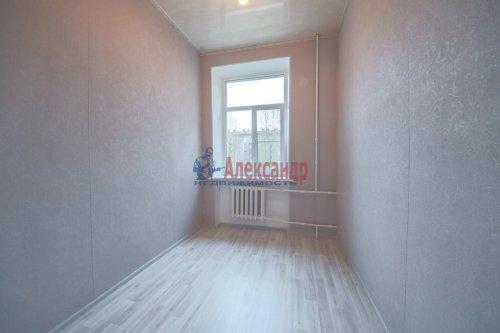 Комната в 9-комнатной квартире (248м2) на продажу по адресу Васи Алексеева ул., 16— фото 1 из 16