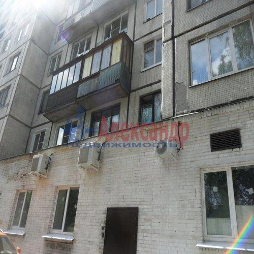 2-комнатная квартира (49м2) на продажу по адресу Апрельская ул., 5— фото 15 из 17