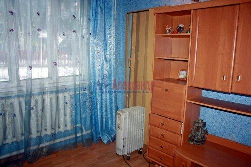 4-комнатная квартира (73м2) на продажу по адресу Раухала пос., Центральная ул., 8— фото 9 из 16