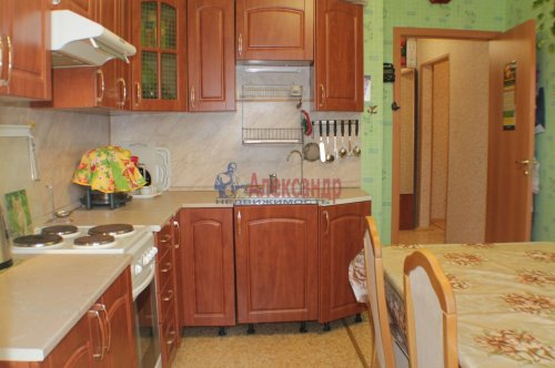 1-комнатная квартира (42м2) на продажу по адресу Ленинский пр., 57— фото 8 из 8