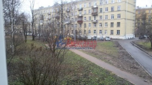 2-комнатная квартира (42м2) на продажу по адресу Ткачей ул., 22— фото 1 из 9
