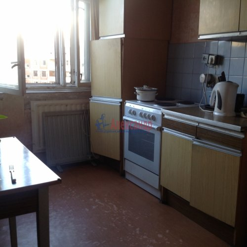 2-комнатная квартира (48м2) на продажу по адресу Маршала Новикова ул., 7— фото 1 из 8