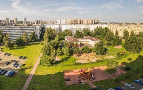 2-комнатная квартира (44м2) на продажу по адресу Композиторов ул., 24— фото 2 из 16