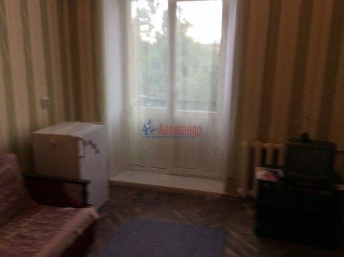 Комната в 4-комнатной квартире (94м2) на продажу по адресу Большой Сампсониевский пр., 92— фото 3 из 4