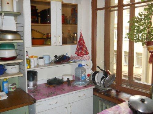 Комната в 9-комнатной квартире (240м2) на продажу по адресу Мытнинская ул., 9— фото 11 из 20