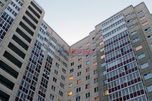 1-комнатная квартира (42м2) на продажу по адресу Ленинский пр., 57— фото 2 из 8
