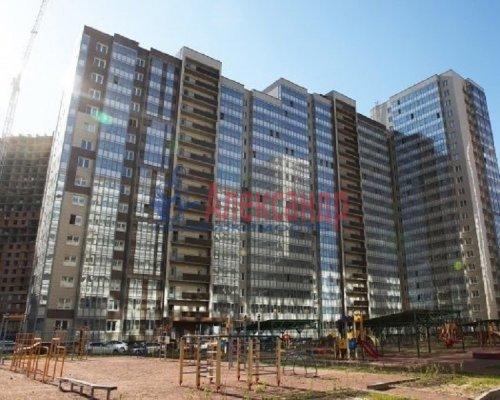 1-комнатная квартира (36м2) на продажу по адресу Мурино пос., Авиаторов Балтики пр., 3— фото 1 из 7