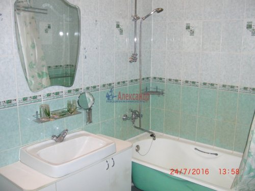 1-комнатная квартира (50м2) на продажу по адресу Ветеранов пр., 122— фото 3 из 10