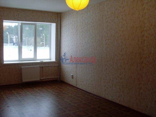 3-комнатная квартира (71м2) на продажу по адресу Петровское пос., Шоссейная ул., 40— фото 1 из 15