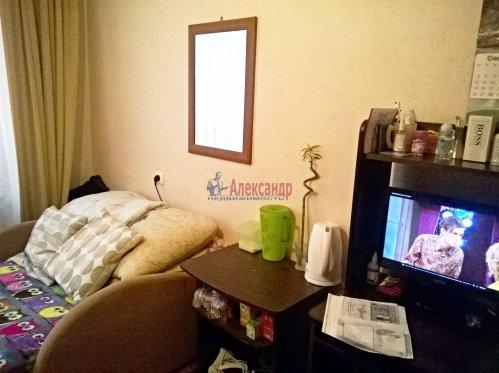 Комната в 3-комнатной квартире (60м2) на продажу по адресу Ветеранов пр., 148— фото 1 из 4