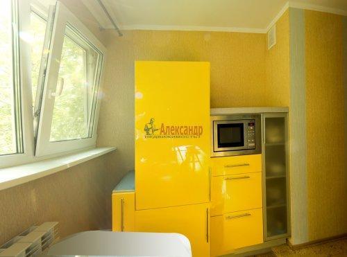 2-комнатная квартира (44м2) на продажу по адресу Композиторов ул., 24— фото 13 из 16