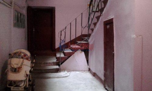 Комната в 8-комнатной квартире (240м2) на продажу по адресу Кадетская линия, 31— фото 3 из 13