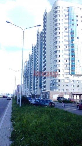 2 комнаты в 4-комнатной квартире (100м2) на продажу по адресу Маршала Казакова ул., 68— фото 1 из 11