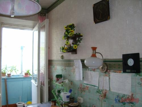 2-комнатная квартира (45м2) на продажу по адресу Толмачево пгт., 5— фото 9 из 16