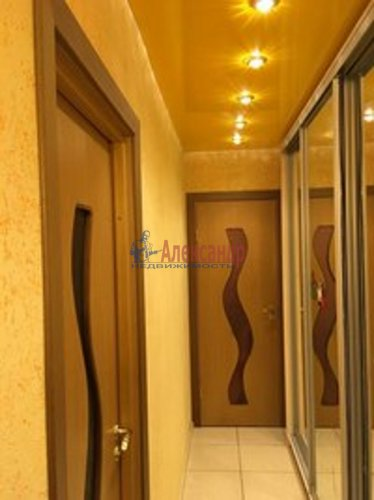 2-комнатная квартира (46м2) на продажу по адресу Луначарского пр., 56— фото 3 из 3