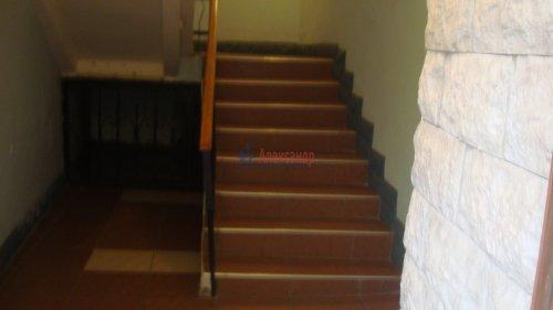 Комната в 3-комнатной квартире (68м2) на продажу по адресу Невский пр., 113/4— фото 8 из 12