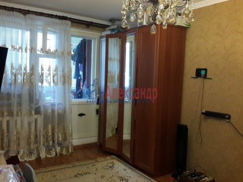 1-комнатная квартира (40м2) на продажу по адресу Гатчина г., Авиатриссы Зверевой ул., 7б— фото 1 из 8