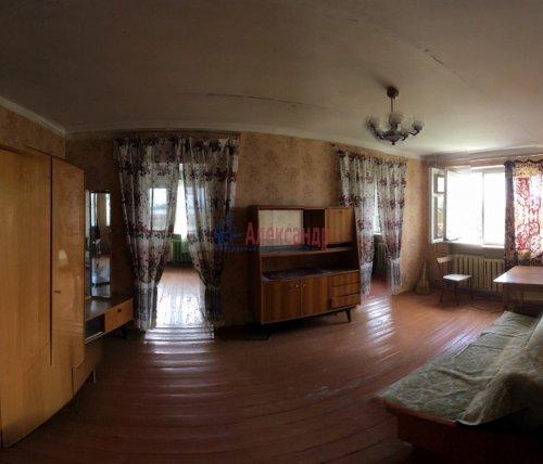 4-комнатная квартира (64м2) на продажу по адресу Мга пгт., Комсомольский пр., 44— фото 1 из 10