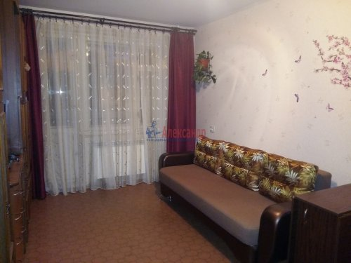 1-комнатная квартира (37м2) на продажу по адресу Приозерск г., Гагарина ул., 18— фото 1 из 12