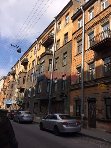 Комната в 9-комнатной квартире (171м2) на продажу по адресу Яблочкова ул., 3— фото 1 из 11