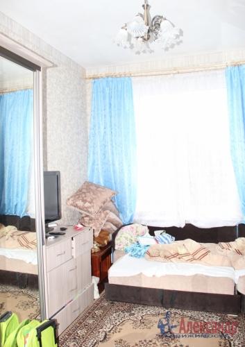4-комнатная квартира (93м2) на продажу по адресу Полярников ул., 5— фото 8 из 12