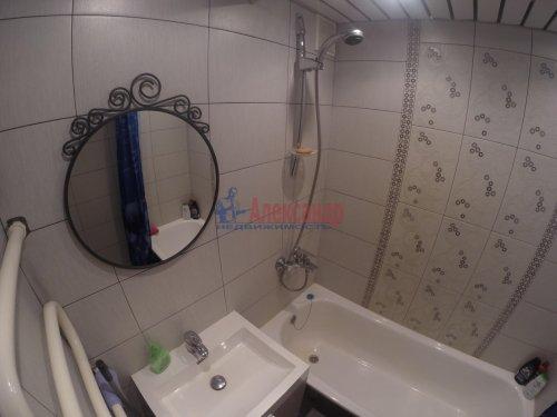 2-комнатная квартира (69м2) на продажу по адресу Шушары пос., Пушкинская ул., 48— фото 13 из 16