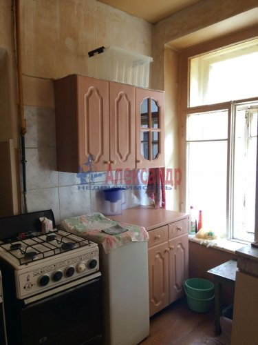 Комната в 9-комнатной квартире (171м2) на продажу по адресу Яблочкова ул., 3— фото 2 из 11