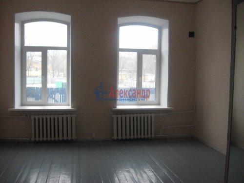 Комната в 4-комнатной квартире (90м2) на продажу по адресу Выборг г., Васильева ул., 11— фото 2 из 3