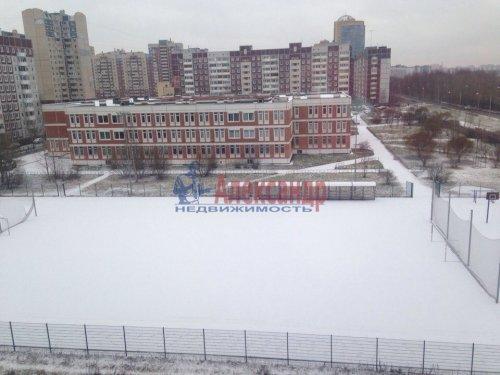 1-комнатная квартира (48м2) на продажу по адресу Планерная ул., 77— фото 3 из 11