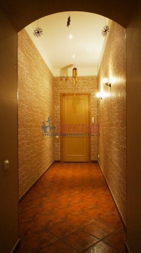 2-комнатная квартира (120м2) на продажу по адресу 5 линия В.О., 34— фото 10 из 24