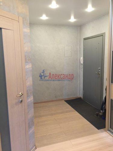 2-комнатная квартира (64м2) на продажу по адресу Октябрьская наб., 126— фото 2 из 19