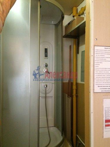 Комната в 9-комнатной квартире (171м2) на продажу по адресу Яблочкова ул., 3— фото 4 из 11