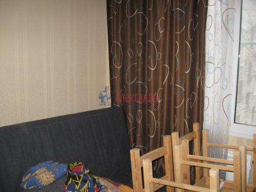 4-комнатная квартира (50м2) на продажу по адресу Свердлова пгт., 1-й мкр., 37— фото 7 из 11