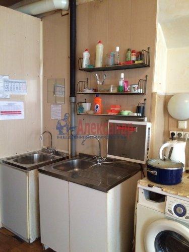 Комната в 9-комнатной квартире (171м2) на продажу по адресу Яблочкова ул., 3— фото 6 из 11