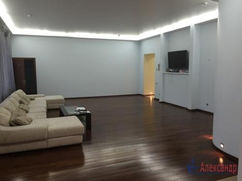 7-комнатная квартира (201м2) на продажу по адресу Шпалерная ул., 44— фото 1 из 7