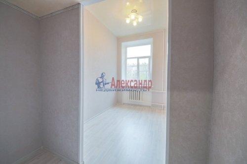 Комната в 9-комнатной квартире (248м2) на продажу по адресу Васи Алексеева ул., 16— фото 3 из 16