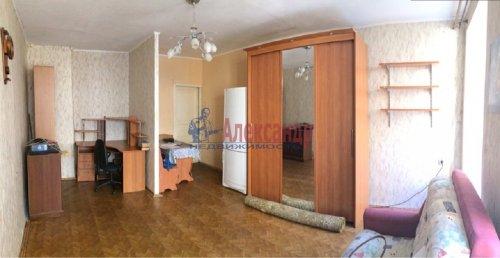 Комната в 9-комнатной квартире (171м2) на продажу по адресу Яблочкова ул., 3— фото 7 из 11