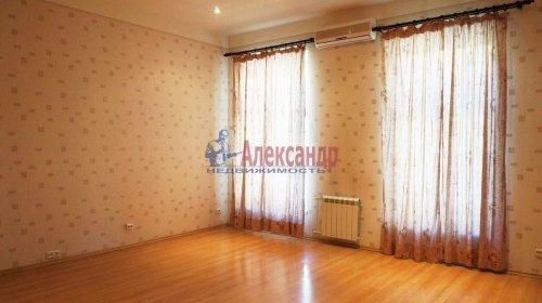 2-комнатная квартира (120м2) на продажу по адресу 5 линия В.О., 34— фото 15 из 24
