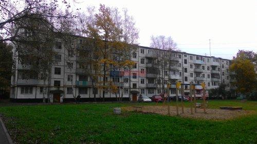 2-комнатная квартира (44м2) на продажу по адресу Кириши г., Романтиков ул., 13— фото 6 из 7