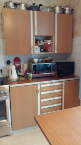 3-комнатная квартира (72м2) на продажу по адресу Комендантский пр., 31— фото 4 из 5