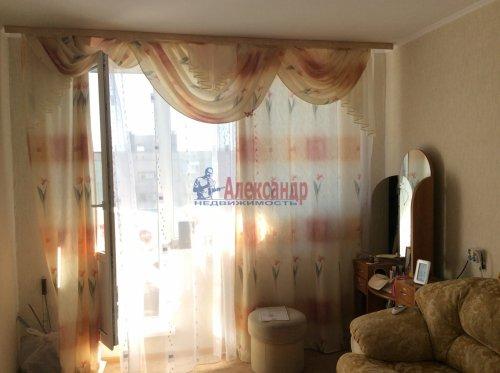 2 комнаты в 4-комнатной квартире (77м2) на продажу по адресу Подвойского ул., 17— фото 3 из 16