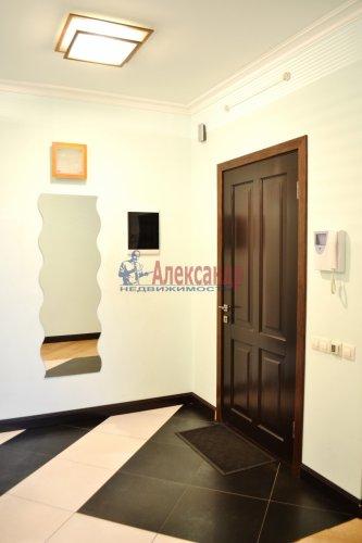 3-комнатная квартира (80м2) на продажу по адресу Комендантский пр., 53— фото 10 из 18